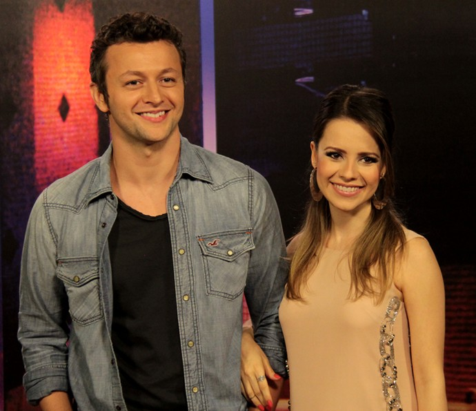 Lucas Lima e Sandy nos bastidores do programa Altas Horas (Foto: Marcos Mazini/Gshow)