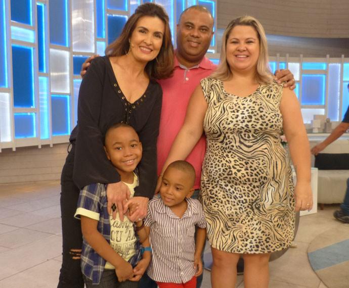 Casal adotou as crianças e contou como foi o processo no programa (Foto: Viviane Figueiredo Neto/Gshow)