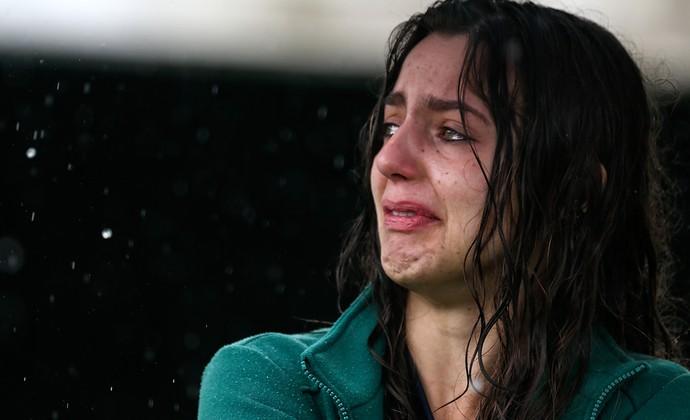 Torcedora não se contém e chora na Arena Condá (Foto: Buda Mendes/Getty Images)
