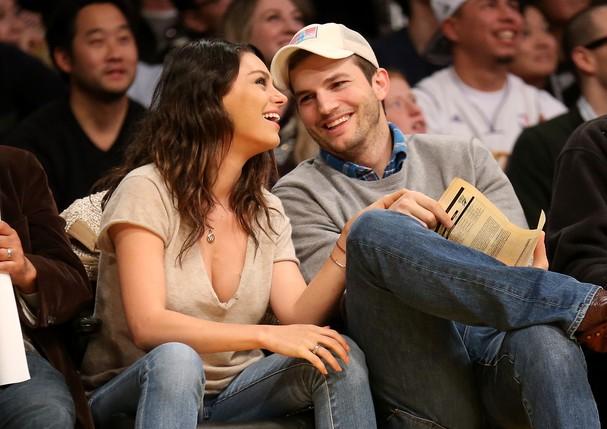 Ashton Kutcher e Mila Kunis (Foto: Stephen Dunn/Getty Images)