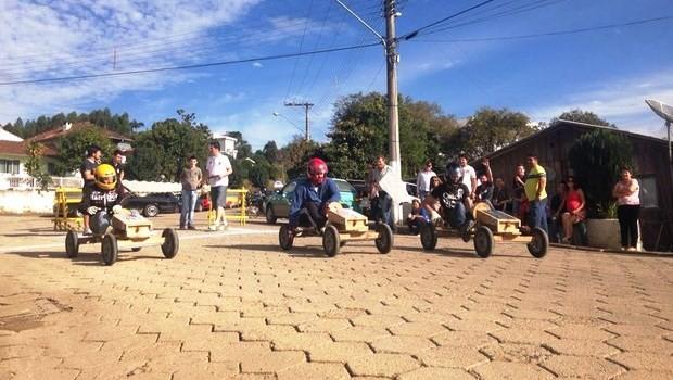 Marcos e Leandro participaram da corrida em Taió (Foto: Larissa Vier/RBS TV)