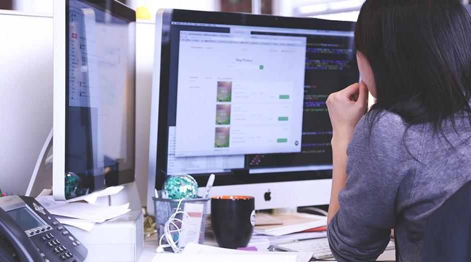 mulher, programação, programando, código, empreendedora (Foto: Pexels)