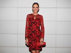 Ticiane Pinheiro usa vestido transparente em aniversário de amiga
