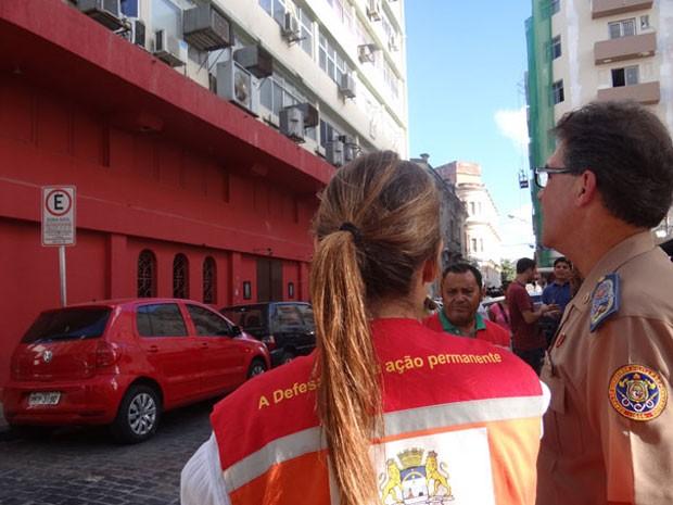Dircon e bombeiros participaram da fiscalização (Foto: Luna Markman/G1)