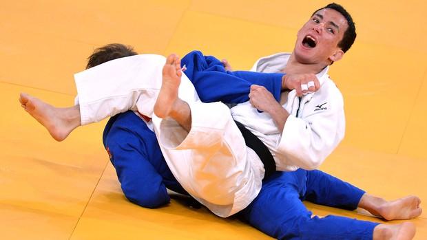 Felipe Kitadai vence Elio Verde e conquista o bronze (Foto: AFP)