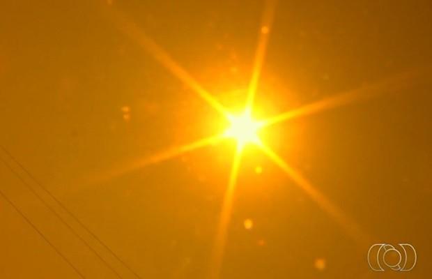 Temperaturas devem continuar altas em todo o estado (Foto: Reprodução/TV Anhanguera)