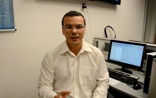 Apresentador do Acre TV, Bruno Cássio, fala sobre os destaques nesta quinta (29) (Foto: Acre TV)