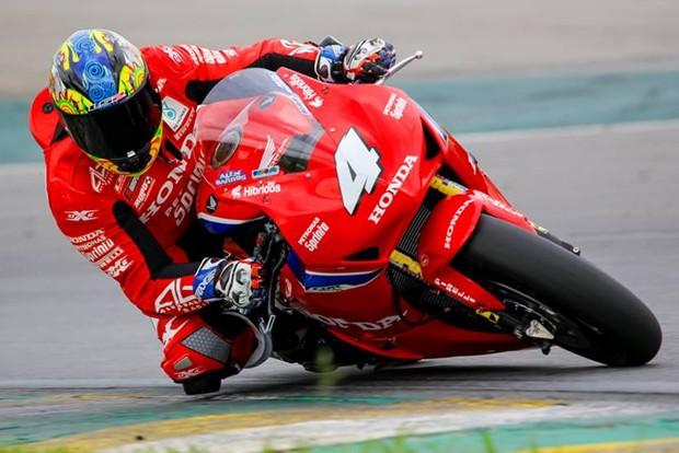 """O piloto """"vovô"""" Alex Barros fez boa prova, no seu retorno à categoria, terminou em P2 (Foto: Divulgação;Alex Barros)"""