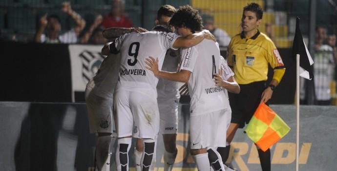 Gabriel gol Figueirense x Santos (Foto: EDUARDO VALENTE - Agência Estado)