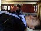 Berlusconi morto é tema de obra de arte italiana