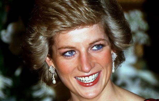 A princesa Diana (1961-1997) sofreu depressão pós-parto e bulimia, tamanha a solidão que sentia na posição de esposa do príncipe Charles. (Foto: Getty Images)