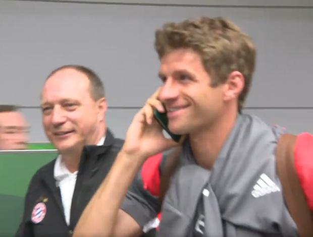 BLOG: Thomas Müller foge de jornalistas falando no... passaporte?!