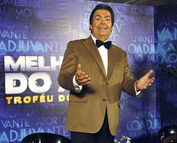 Faustão comemora por mais uma edição do Troféu Domingão (Foto: Domingão do Faustão / TV Globo)