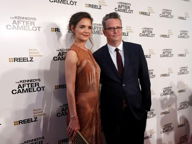 Katie Holmes e Matthew Perry em première de série em Los Angeles, nos Estados Unidos (Foto: Mario Anzuoni/ Reuters)