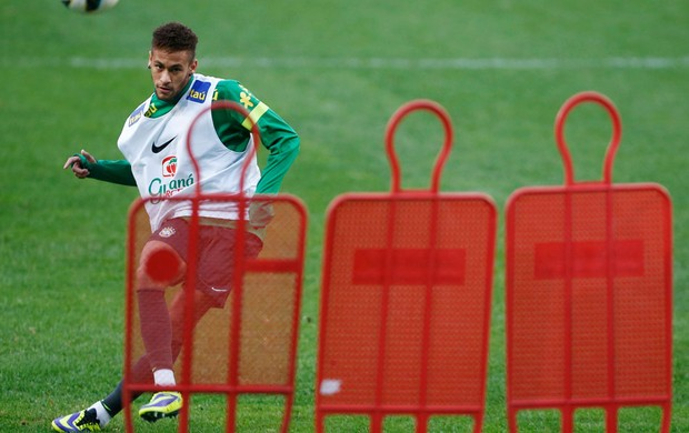 Neymar brasil treino (Foto: Agência Reuters)