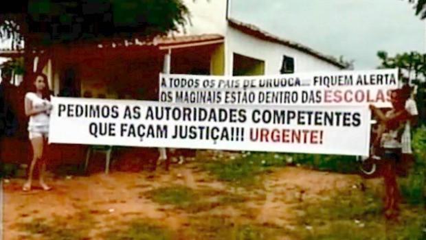 Família protesta contra violência nas escolas (Foto: TV Diário/Reprodução)