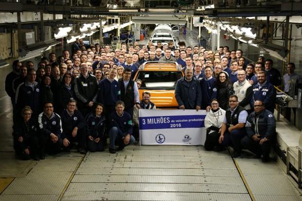 Fábrica da GM comemora produção de 3 milhões de carros em Gravataí (Foto: Divulgação)