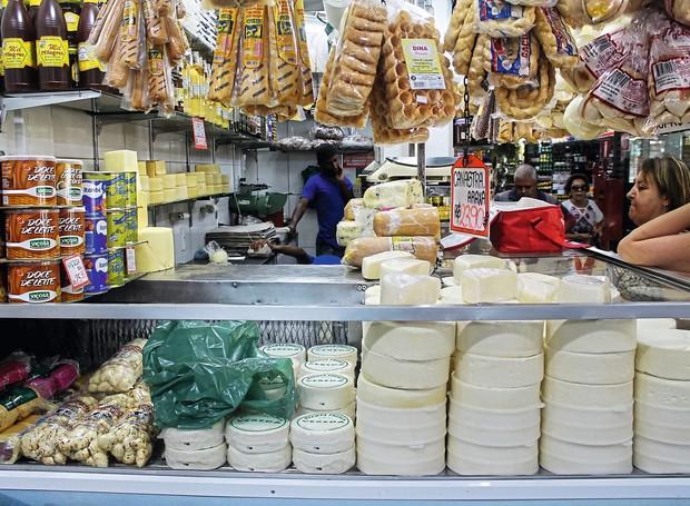 Loja do Itamar, no Mercado Central de Belo Horizonte, vende os melhores queijos do estado e goiabada cascão de Ponte Nova (MG) (Foto: Augusto Franco / Divulgação)