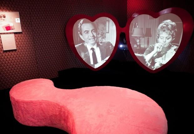 """Sala dedicada ao filme """"Lolita"""", que integra a mostra """"Stanley Kubrick"""" no Museu da Imagem e do Som (Foto: Divulgação)"""