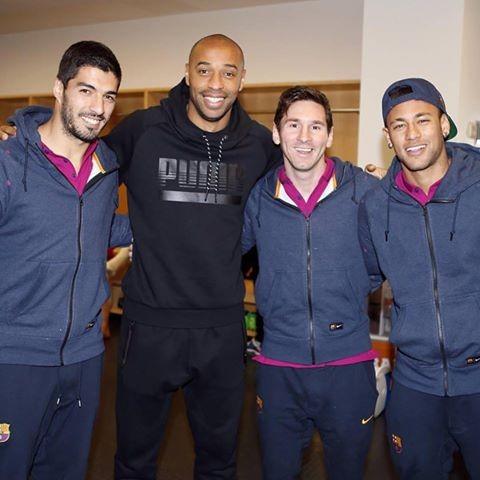 BLOG: Amigo ou espião? Henry visita treino do Barça antes de jogão com Arsenal
