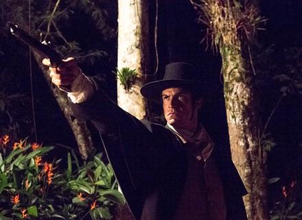 Rubião e Mão de Luva trocam tiros durante fuga de Ascensão