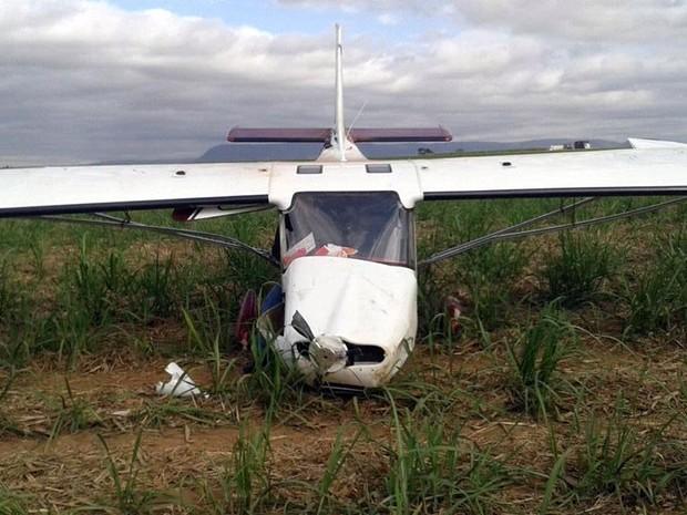 Sitiante de Rio Claro acionou a polícia após encontrar avião abandonado (Foto: Polícia Civil/Divulgação)