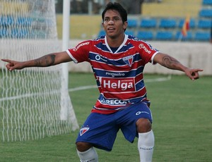 Assisinho, atacante do Fortaleza (Foto: Tuno Vieira / Ag. Diário)