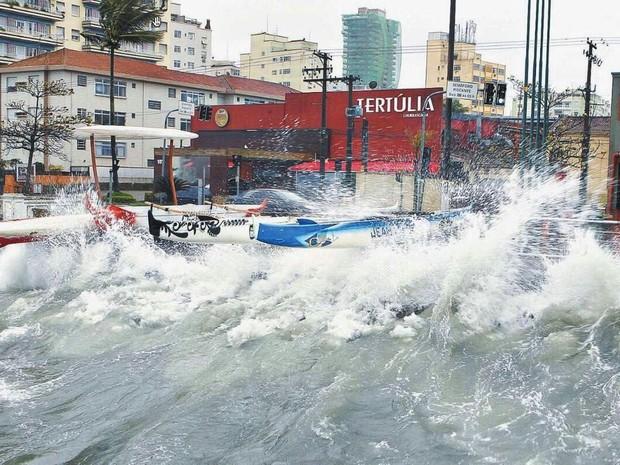 Ressaca atingiu cidades do litoral de São Paulo (Foto: Arquivo Pessoal)