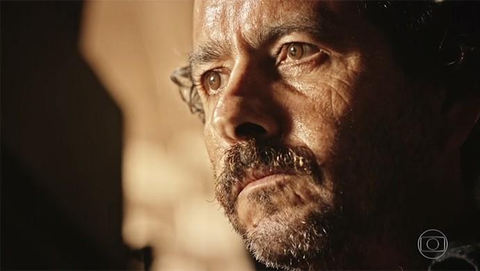 Cícero estimula Afrânio a se vingar de Santo (Foto: TV Globo)
