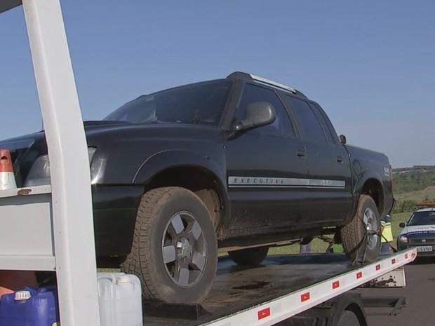Veículo usado no assalto foi apreendido  (Foto: Reprodução / TV TEM)