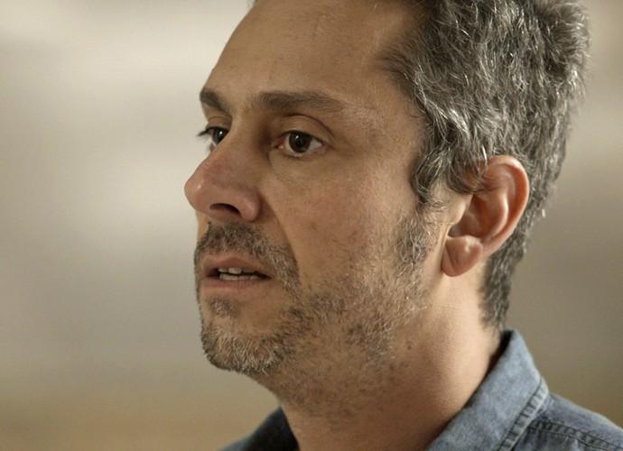 Romero diz que Atena o traiu ao entregá-lo para Zé Maria (Foto: TV Globo)