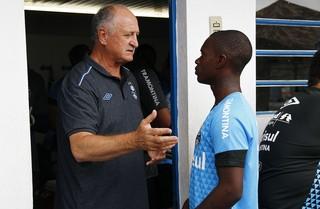 Felipão conversa com Lincoln  (Foto: Lucas Uebel/Grêmio)