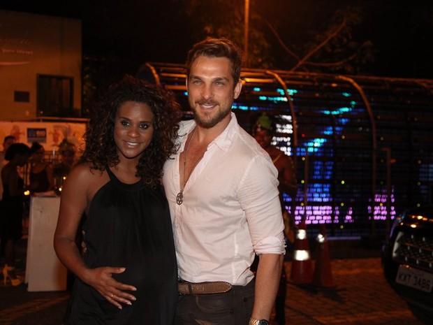 Aline Wirley  e Igor Rickli em festa na Zona Sul do Rio (Foto: Claudio Andrade/ Foto Rio News)