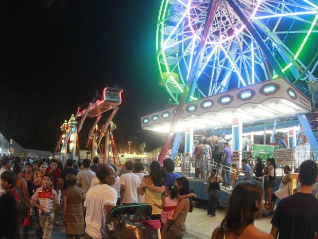 Arraial é o espaço em que fica o parque de diversões e barracas de comidas típicas.  (Foto: Carlos Borges/ O Liberal)