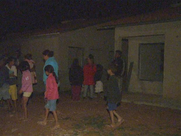 Famílias que invadiram casas de conjunto habitacional terão que sair do local (Foto: César Tadeu/ EPTV)