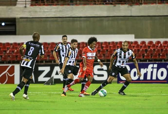 Roger Gaúcho, atacante do CRB (Foto: Ailton Cruz/Gazeta de Alagoas)