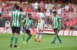 Empate sem gols marca o insosso duelo entre São Paulo e Coritiba no Morumbi (Marcos Ribolli)