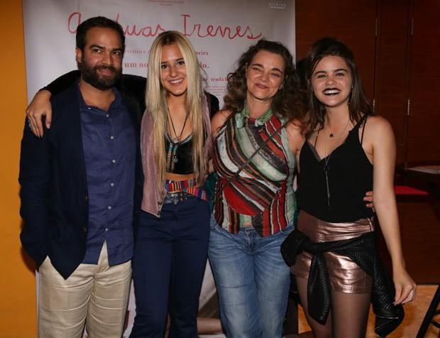 O diretor Fábio Meira, e as atrizes Priscila Bittencourt, Inês Peixoto e Isabela Torres (Foto: Deividi Correa/AgNews)