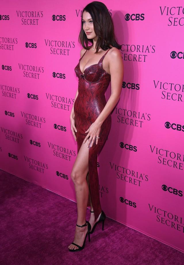 Bella Hadid (Foto: Dimitrios Kambouris/Getty Images for Victoria's Secret)
