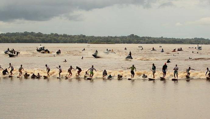 Surfe; Pororoca; Amapaense (Foto: Foto: Noélio Sobrinho/Arquivo Pessoal )