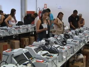 urnas são lacradas em salvador (Foto: Reprodução/TV Bahia)