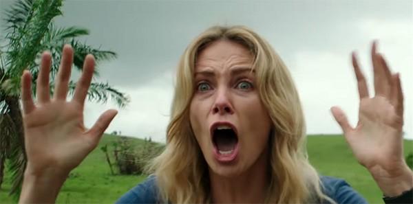 Charlize Theron em 'The Last Face' (Foto: Reprodução / Vídeo)
