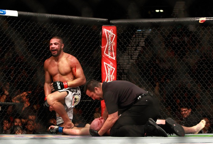 Thales Leites x Tim Boetsch, UFC 183 (Foto: Getty Images)