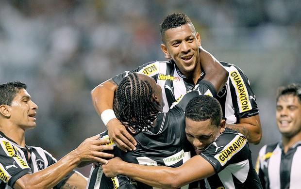 Antonio Carlos comemora gol do Botafogo contra o Duque de Caxias (Foto: Wagner Meier / Agif)