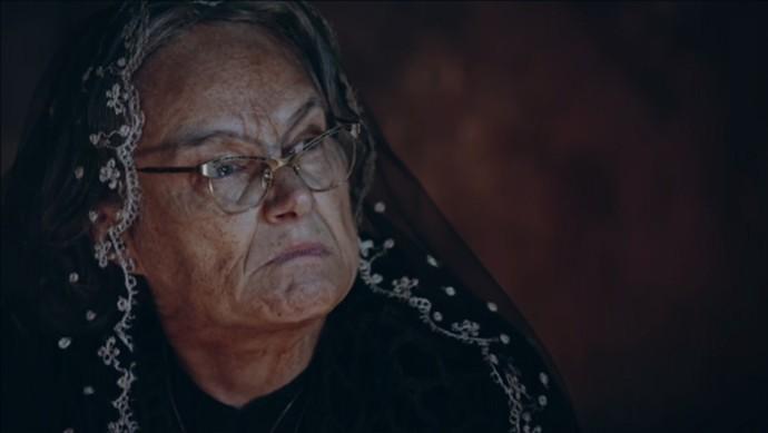 Encarnação rebate as acusações de Piedade (Foto: TV Globo)