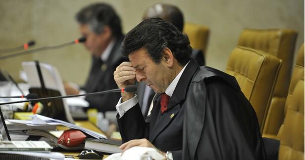 O ministro Luiz Fux em sessão nesta quarta (24) para cálculo das penas dos réus condenados no mensalão (Foto: José Cruz/ABr)