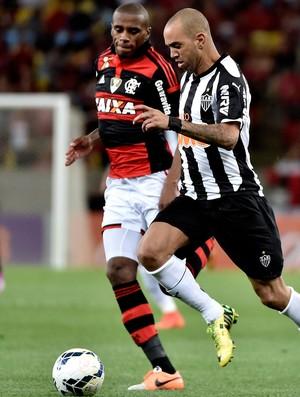 Marcelo Flamengo e Diego tardelli Atlético-MG Brasileirão (Foto: Agência Getty Images)