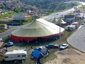 Circo montado em cidade do interios de Minas Gerais. (Foto: Jair Signorelli/Arquivo Pessoal)