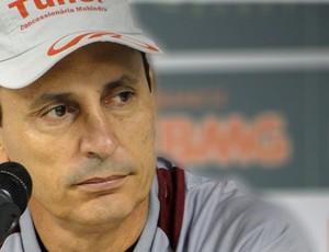 Paulo Comelli, América-MG, coletiva (Foto: Globoesporte.com)