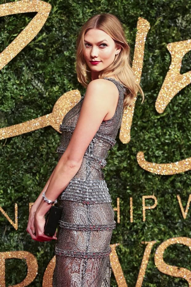 Karlie Kloss no British Fashion Awards (Foto: AFP)